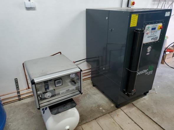 bezolejový stlačený vzduch (tlak 10 a 200 bar)